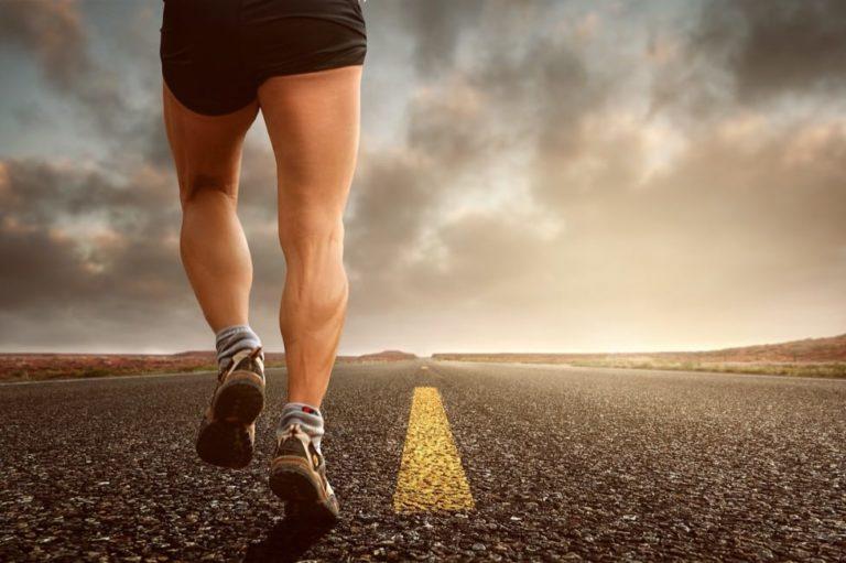かかとが歩くと痛い-ガサガサ-足底腱膜炎