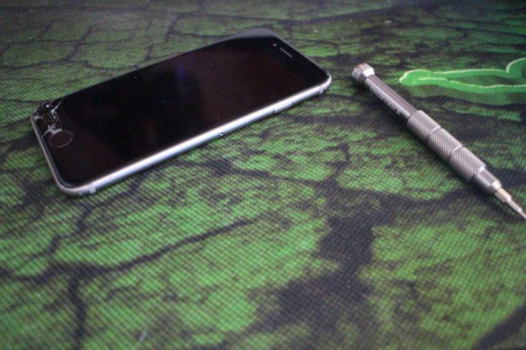 iPhoneの画面割れ修理を自分で行う手順-02