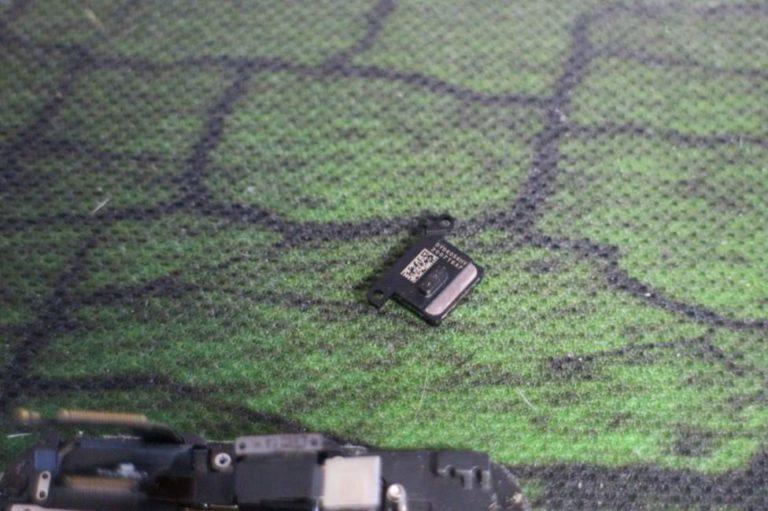iPhoneの画面割れ修理を自分で行う手順-16a